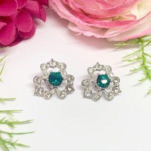 ⚜️VINTAGE 1967 Emerald Green Clip Earrings